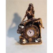 Figura Kobieta z zegarem 76-T1147
